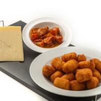 croquetas-de-queso-parmesano-y-tomate-seco